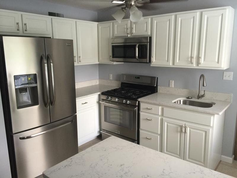 Interior painting contractor st louis house painter for Cabinet refacing contractors