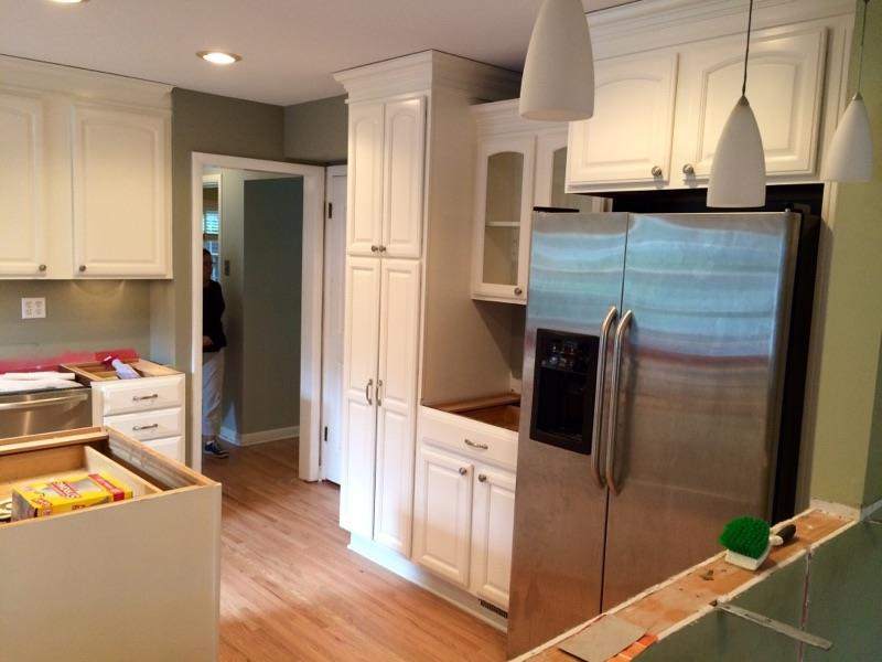 Kitchen cabinet refinishing fabulous kitchen cabinets for Cheapest way to reface kitchen cabinets