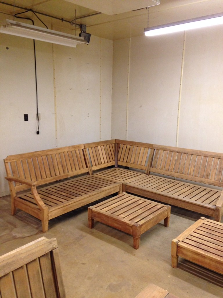 Good as New: Outdoor Lounge Furniture Reseal and Refinish